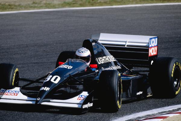 1993 Japanese Grand Prix. Suzuka, Japan. 22-24 October 1993. J J. Lehto (Sauber C12 Ilmor) 8th position. Ref-93 JAP 27. World Copyright - LAT Photographic