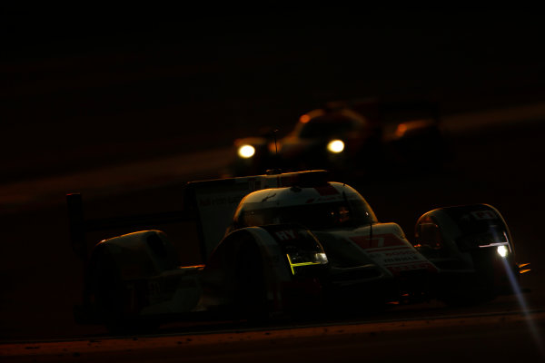 2015 FIA World Endurance Championship Bahrain 6-Hours Bahrain International Circuit, Bahrain Saturday 21 November 2015. Marcel F?ssler, Andr? Lotterer, Beno?t Tr?luyer (#7 LMP1 Audi Sport Team Joest Audi R18 e-tron quattro). World Copyright: Alastair Staley/LAT Photographic ref: Digital Image _79P1186