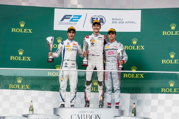 Sergio Sette Camara (BRA, Carlin), George Russell (GBR, ART Grand Prix), Nyck De Vries (NLD, PERTAMINA PREMA Theodore Racing).