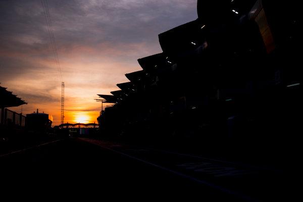 Sepang International Circuit, Sepang, Malaysia. Friday 29 September 2017. Sun rises at the Sepang Circuit. World Copyright: Zak Mauger/LAT Images  ref: Digital Image _56I2044