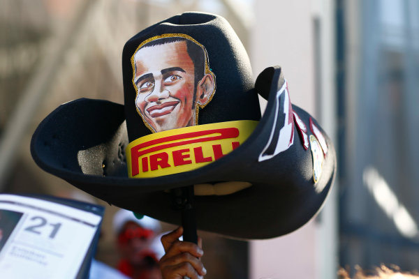 Circuit of the Americas, Austin Texas, USA. Saturday 22 October 2016. A Lewis Hamilton cowboy hat. World Copyright: Andy Hone/LAT Photographic ref: Digital Image _ONY8661