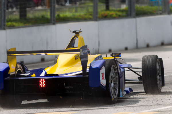 2015/2016 FIA Formula E Championship. Putrajaya ePrix, Putrajaya, Malaysia. Saturday 7 November 2015. Race Nicolas Prost (FRA), Renault e.Dams Z.E.15, recovers from the barriers Photo: Sam Bloxham/FIA Formula E/LAT ref: Digital Image _G7C9372