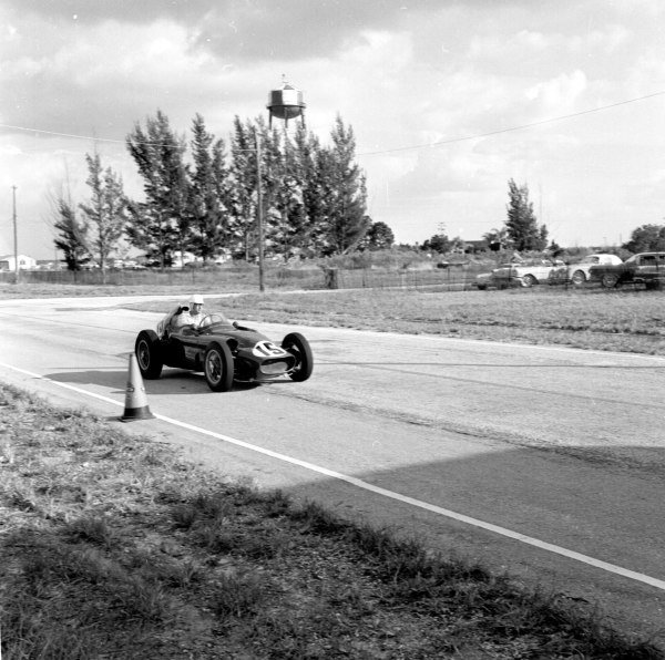 1959 United States Grand Prix.Sebring, Florida, USA.10-12 December 1959.Fritz d'Orey (Tec-Mec Maserati).Ref-5520.World Copyright - LAT Photographic