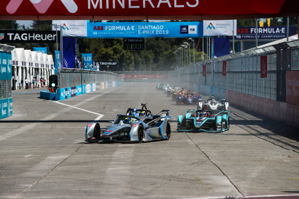 Felipe Massa (BRA), Venturi Formula E, Venturi VFE05, leads Oliver Rowland (GBR), Nissan e.Dams, Nissan IMO1, who battles with Mitch Evans (NZL), Panasonic Jaguar Racing, Jaguar I-Type 3