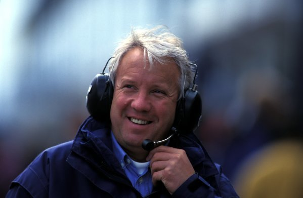 Charlie Whiting (GBR) FIA Safety Delegate and Official Race Starter.