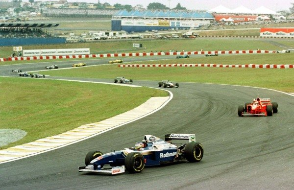1997 Brazilian Grand Prix.Interlagos, Sao Paulo, Brazil.28-30 March 1997.Jacques Villeneuve (Williams FW19 Renault) leads on the re-start. He is at Cotovlo with the rest coming through Pinheirinho. He finished in 1st position.World Copyright - LAT Photographic