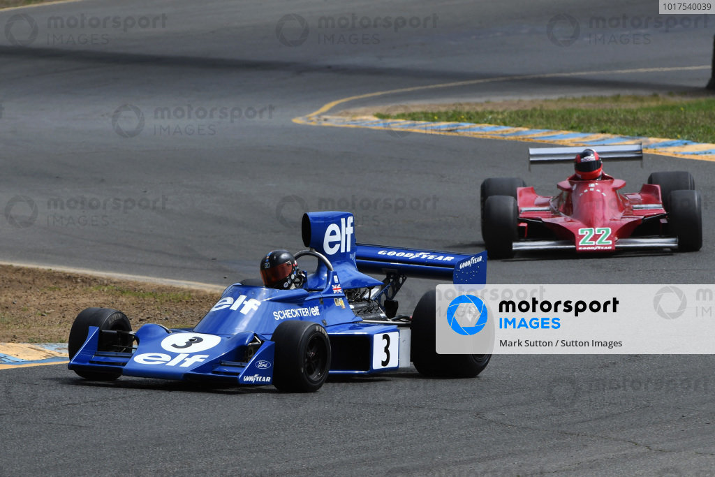 Nicolas Colyvas, Tyrrell 7, 1974 leads Bud Moeller, Ensign MN179, 1979