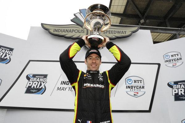 Simon Pagenaud, Team Penske Chevrolet, podium