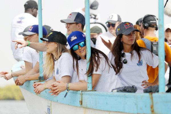 Kevin Hansen (SWE), JBXE Extreme-E Team, Mikaela Ahlin-Kottulinsky (SWE), JBXE Extreme-E Team, Sara Price (USA), Segi TV Chip Ganassi Racing, and Cristina Gutierrez (ESP), X44, on the Oceanium Mangrove Legacy Project Visit boat trip