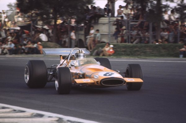 1970 Mexican Grand Prix.Mexico City, Mexico.23-25 October 1970.Denny Hulme (McLaren M14A Ford) 3rd position.Ref-70 MEX 01.World Copyright - LAT Photographic