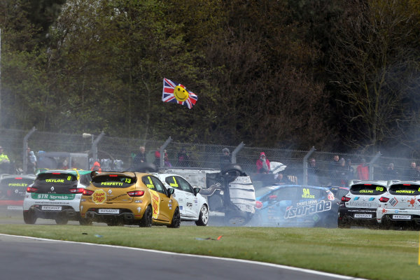 2017 Renault Clio Cup, 15th-16th April 2017, Donington Park, Clio Cup lap one crash - Lucas Orrock (GBR) JamSport Racing Renault Clio Cup, Shayne Deegan (GBR) SDR Motorsport Renault Clio Cup  World Copyright. JEP/LAT Images
