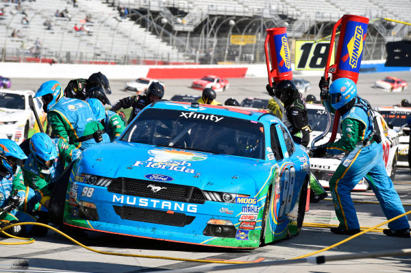 2017 NASCAR XFINITY Series - Rinnai 250 Atlanta Motor Speedway, Hampton, GA USA Saturday 4 March 2017 Aric Almirola pit stop World Copyright: Nigel Kinrade/LAT Images ref: Digital Image 17ATL1nk05287