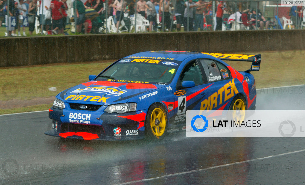 V8 Supercar Round 13 Photo Motorsport Images