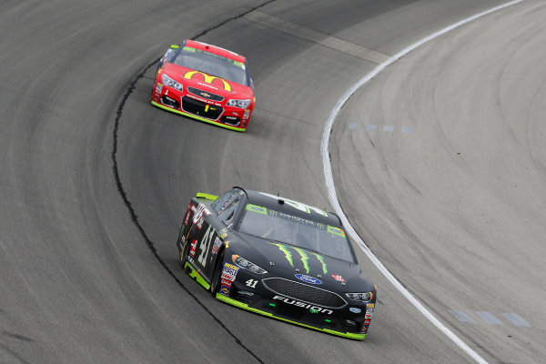 Monster Energy NASCAR Cup Series Tales of the Turtles 400 Chicagoland Speedway, Joliet, IL USA Sunday 17 September 2017 Kurt Busch, Stewart-Haas Racing, Monster Energy/Haas Automation Ford Fusion and Jamie McMurray, Chip Ganassi Racing, McDonald's \ Cessna Chevrolet SS World Copyright: Russell LaBounty LAT Images