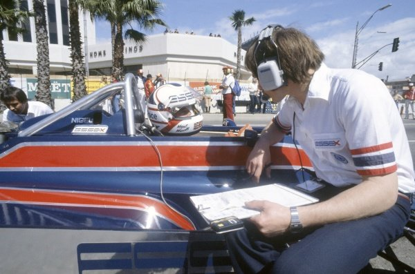 1981 United States Grand Prix West.Long Beach, California, USA. 13-15 March 1981.Nigel Mansell (Lotus 81B-Ford Cosworth) in the pits.World Copyright: LAT PhotographicRef: 35mm transparency 81LB28