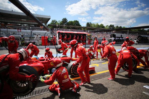 Hockenheimring, Hockenheim, Germany22nd July 2012Fernando Alonso, Ferrari F2012, makes a stop.World Copyright:Steven Tee/LAT Photographicref: Digital Image AP2I1421