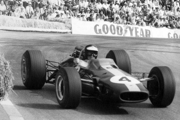1966 Monaco Grand Prix.Monte Carlo, Monaco. 22 May 1966.Jim Clark, Lotus 33-Climax, retired, action.World Copyright: LAT PhotographicRef: b&w print