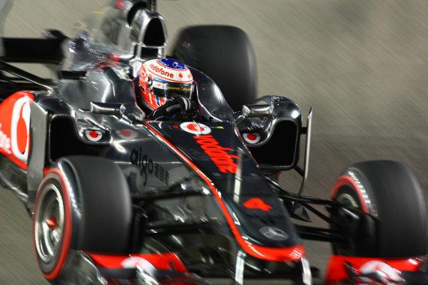 Marina Bay Circuit, Singapore.24th September 2011.Jenson Button, McLaren MP4-26 Mercedes. Action. World Copyright: Andy Hone/LAT Photographicref: Digital Image CSP28478