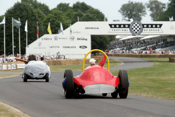 2005 Goodwood Festival of SpeedGoodwood Estate, West Sussex. 24th - 26th June Wacky Racers. Action World Copyright: Gary Hawkins/LAT Photographicref: Digital Image Only