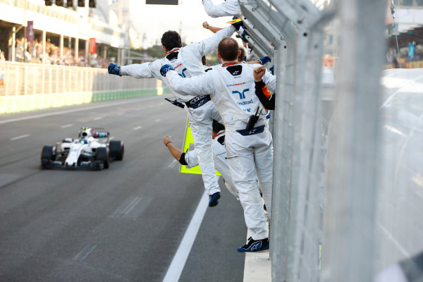 Baku City Circuit, Baku, Azerbaijan. Sunday 25 June 2017. Lance Stroll, Williams FW40 Mercedes, is greeted by his mechanics at the finish. World Copyright: Steven Tee/LAT Images ref: Digital Image _R3I3946