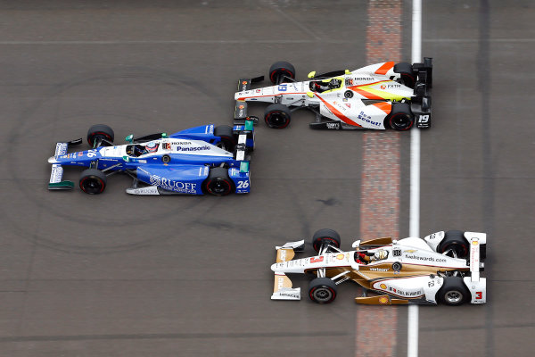 Verizon IndyCar Series Indianapolis 500 Race Indianapolis Motor Speedway, Indianapolis, IN USA Sunday 28 May 2017 Takuma Sato, Andretti Autosport Honda, Ed Jones, Dale Coyne Racing Honda and Helio Castroneves, Team Penske Chevrolet World Copyright: Russell LaBounty LAT Images