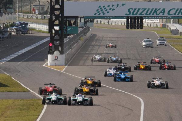 2015 Japanese Formula 3 Championship. Suzuka, Japan. 18th - 19th April 2015. Rd 1 & 2. Rd.1 Start of the race action World Copyright: Yasushi Ishihara/LAT Photographic. Ref: 2015JF3_Rd1&2_001