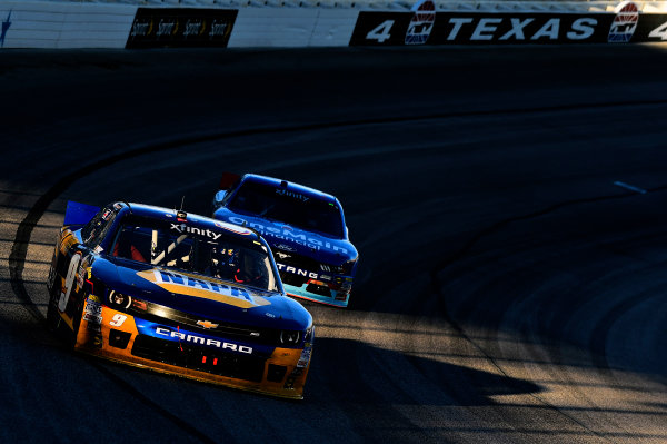 6-7 November, 2015, Fort Worth, Texas USA Chase Elliott (9), Elliott Sadler (1) ©2015, John Harrelson / LAT Photo USA