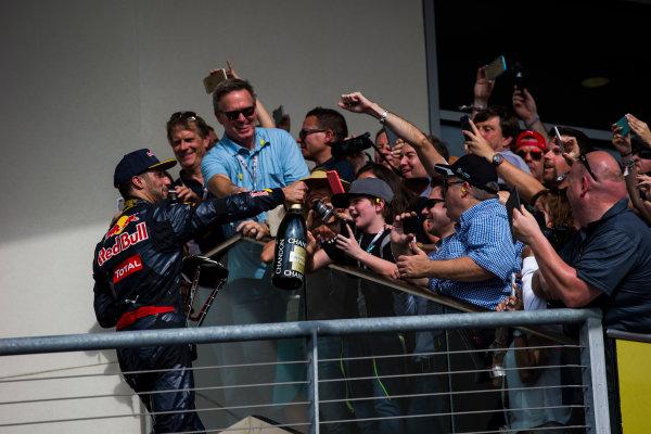 Circuit of the Americas, Austin Texas, USA. Sunday 23 October 2016. Daniel Ricciardo, Red Bull Racing, 3rd Position, leaves the podium. World Copyright: Sam Bloxham/LAT Photographic ref: Digital Image _SLA2733_1