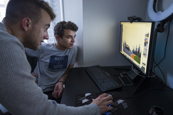 Autosport Journalist Jack Benyon discusses photograhy with Lando Norris