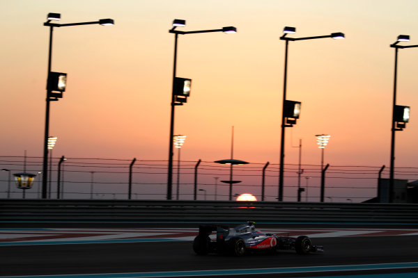 Yas Marina Circuit, Abu Dhabi, United Arab Emirates12th November 2011.Jenson Button, McLaren MP4-26 Mercedes. Action. World Copyright:Glenn Dunbar/LAT Photographic ref: Digital Image _G7C4481