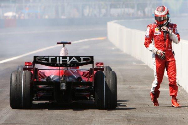 Kimi Raikkonen (FIN) Ferrari F2008 retired from the race with a blown engine. Formula One World Championship, Rd 12, European Grand Prix, Race, Valencia, Spain, Sunday 24 August 2008.  BEST IMAGE