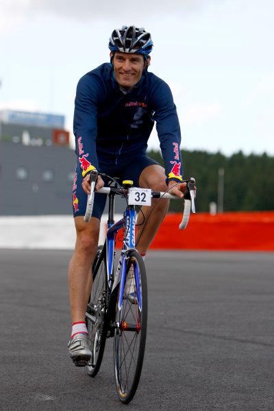 Spa Francorchamps, Spa, Belgium.4th September 2008.Mark Webber, Red Bull Racing RB4 Renault on a bike. Portrait.World Copyright: Andrew Ferraro/LAT Photographicref: Digital Image _H0Y3669