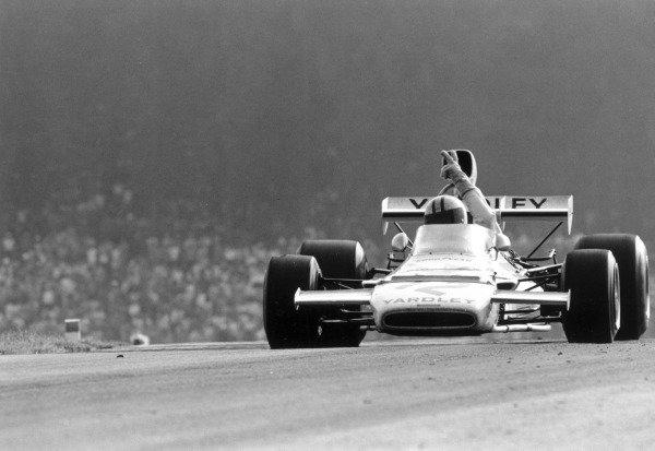 1972 Austrian Grand Prix.Osterreichring, Zeltweg, Austria. 13 August 1972.Denny Hulme (McLaren M19C-Ford Cosworth), 2nd position. Ref-4711 #40.World Copyright - LAT Photographic