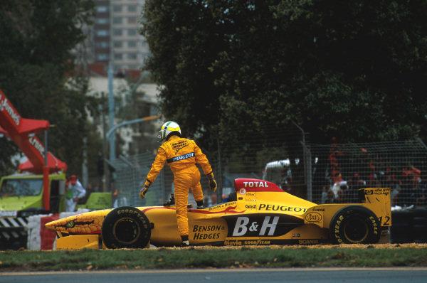 Albert Park, Melbourne, Australia.7-9 March 1997.Giancarlo Fisichella (Jordan 197 Peugeot) spins out on lap 14.Ref-97 AUS 17.World Copyright - LAT Photographic