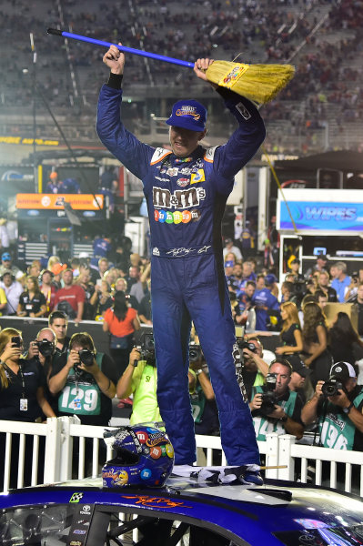 Monster Energy NASCAR Cup Series Bass Pro Shops NRA Night Race Bristol Motor Speedway, Bristol, TN USA Saturday 19 August 2017 Kyle Busch, Joe Gibbs Racing, M&M's Caramel Toyota Camry, Celebrates after winning. World Copyright: John K Harrelson LAT Images