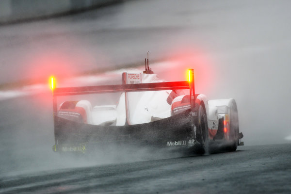 2017 FIA World Endurance Championship, Fuji, Japan. 13th-15th October 2017, #2 Porsche LMP Team Porsche 919 Hybrid: Timo Bernhard, Earl Bamber, Brendon Hartley  World copyright. JEP/LAT Images
