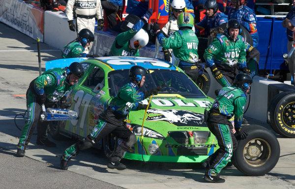 19-22 February 2004, North Carolina Speedway,USA,David Green getting some speedy pit work,Copyright-Robt LeSieur 2004LAT Photographic