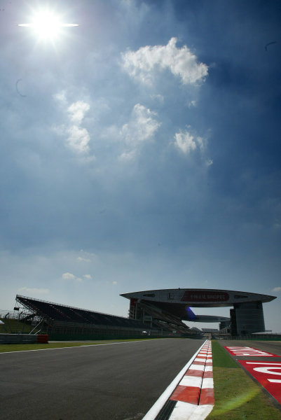 2004 Chinese Grand Prix - Thursday,2004 Chinese Grand Prix Shanghai, China. 23rd September 2004.The impressive modern architecture that stands out to identify the newest circuit on the Grand Prix calendar. World Copyright: Steve Etherington/LAT Photographic ref: Digital Image Only