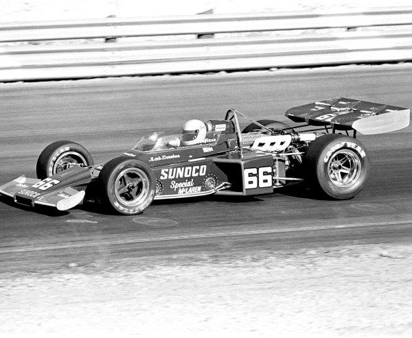 1972 Indycar Championship.Phoenix, Arizona, United States.Mark Donohue (McLaren M16B-Offenhauser).World Copyright: LAT Photographicref: b&w print