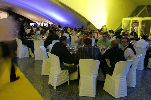 2007 GP2 Series. Round 11.GP2 Series Prize Giving Ceremony.Valencia, Spain. 30th September.Guests enjoy dinner. World Copyright: Drew Gibson/GP2 Series Media Service.RefMU4Z2867
