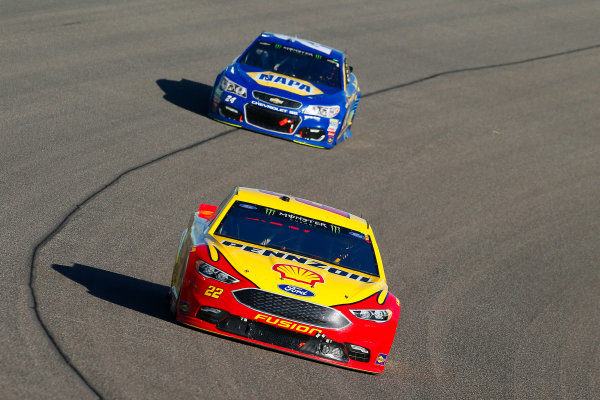 Monster Energy NASCAR Cup Series Ford EcoBoost 400 Homestead-Miami Speedway, Homestead, FL USA Sunday 19 November 2017 Joey Logano, Team Penske, Ford Fusion and Chase Elliott, Hendrick Motorsports, NAPA Chevrolet SS World Copyright: Russell LaBounty LAT Images