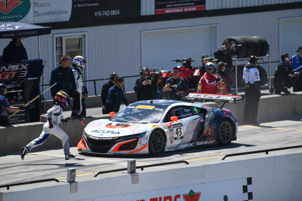 Pirelli World Challenge Victoria Day SpeedFest Weekend Canadian Tire Motorsport Park, Mosport, ON CAN Saturday 20 May 2017 Ryan Eversley/ Tom Dyer pit stop World Copyright: Richard Dole/LAT Images ref: Digital Image RD_CTMP_PWC17088