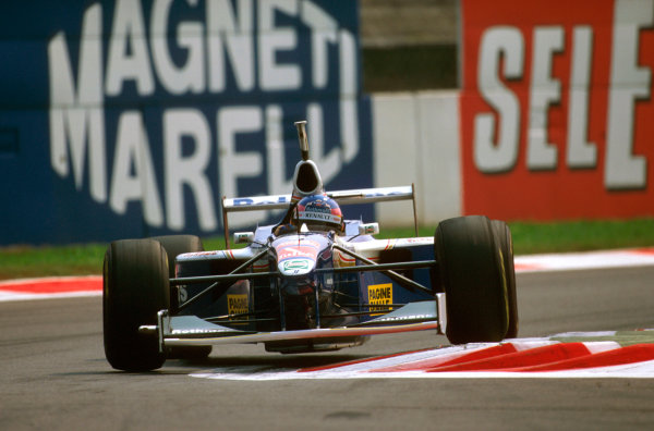 Monza, Italy.5-7 September 1997.Jacques Villeneuve (Williams FW19 Renault) 5th position.Ref-97 ITA 02.World Copyright - LAT Photographic