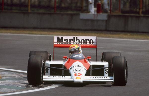 Mexico City, Mexico. 27th - 29th May 1988.Ayrton Senna (McLaren MP4/4 Honda), 2nd position, action. World Copyright: LAT Photographic.Ref:  88MEX
