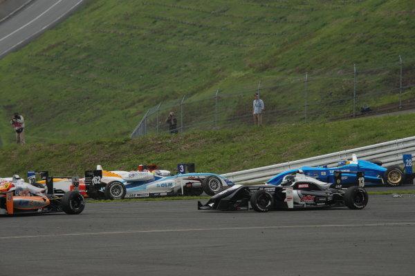 2014 All-Japan F3 Championship. Fuji, Japan. 11th - 13th July 2014. Rd 4. Race 2 - Start of the race, action. World Copyright: Yasushi Ishihara / LAT Photographic. Ref: 2014JF3_Rd8&9_021.JPG