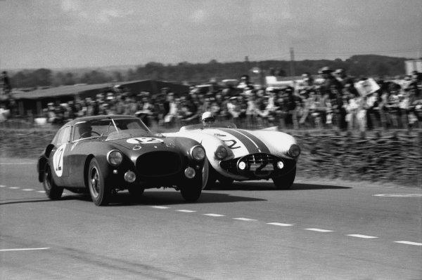 Le Mans, France. 13th - 14th June 1953. Alberto Ascari/Luigi Villoresi (Ferrari 340 MM), retired, leads Phil Walters/John Fitch (Cunningham C5-R Chrysler), 3rd position, action.  World Copyright: LAT Photographic. Ref: 53 - 53 - 35A.