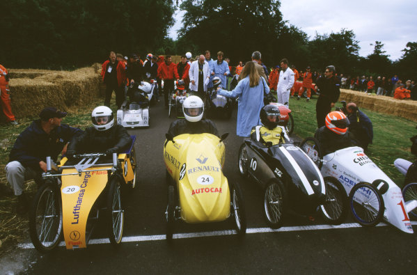 2000 Festival of Speed.Goodwood, England, Great Britain. 23-25 June 2000. Start of the soapbox race.World - LAT Photographic