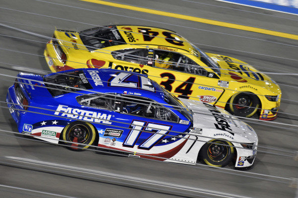 #17: Chris Buescher, Roush Fenway Racing, Ford Mustang Fastenal and #34: Michael McDowell, Front Row Motorsports, Ford Mustang Love's Travel Stops