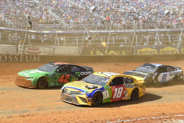 #18: Kyle Busch, Joe Gibbs Racing, Toyota Camry M&M's Messages, #42: Ross Chastain, Chip Ganassi Racing, Chevrolet Camaro Clover