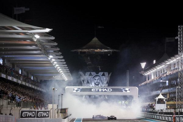 Donurs from Lewis Hamilton, Mercedes-AMG F1 W09 EQ Power+, Sebastian Vettel, Ferrari SF71H and Fernando Alonso, McLaren MCL33